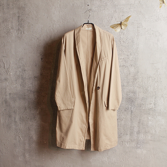 EARTH MUSIC & ECOLOGY over coat (kltz)