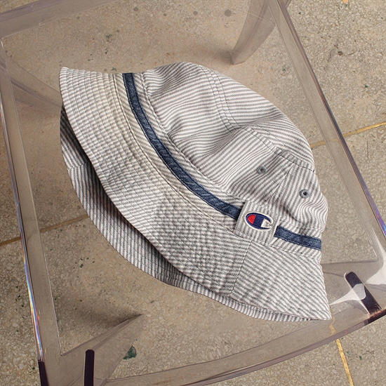 retro Champion bucket hat