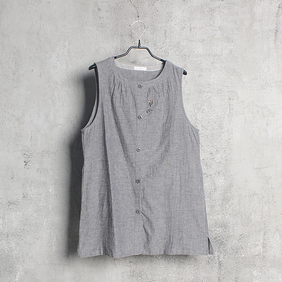 Far and eye linen sleeveless