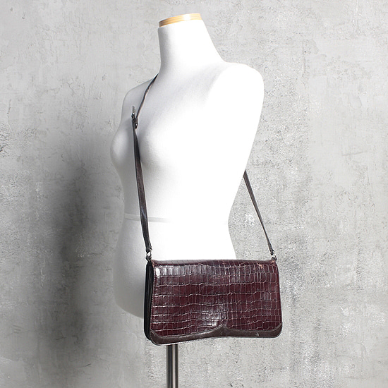 BODY DRESSING leather bag